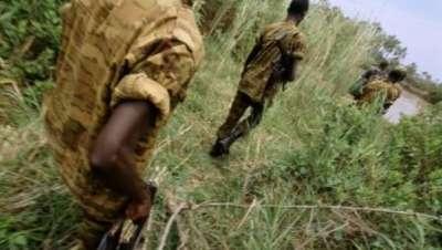 Qui sont ces hommes armés, en uniforme burundais, dans l'est du Congo?