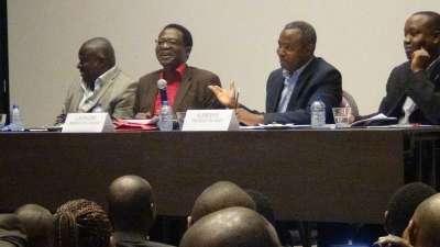 Conférence animée par les présidents Léonard NYANGOMA du CNDD et Alexis SINDUHIJE du MSD