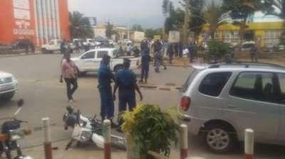 Bujumbura compte de nouveaux morts dans des attaques à la grenade .